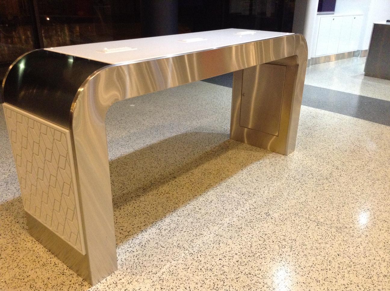 Custom-Laptop-Table